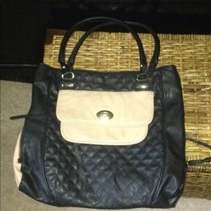 Steve Madden large & spacious pocketbook